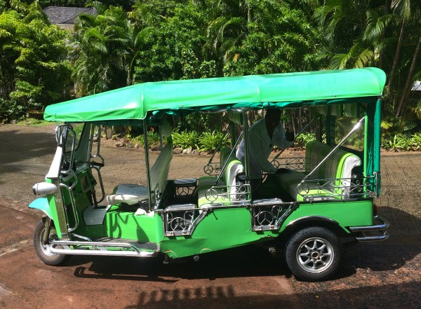 A tuk tuk at Sugar Beach