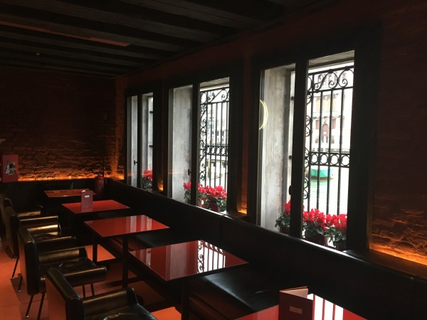 Eating area at Hotel L'Orologio