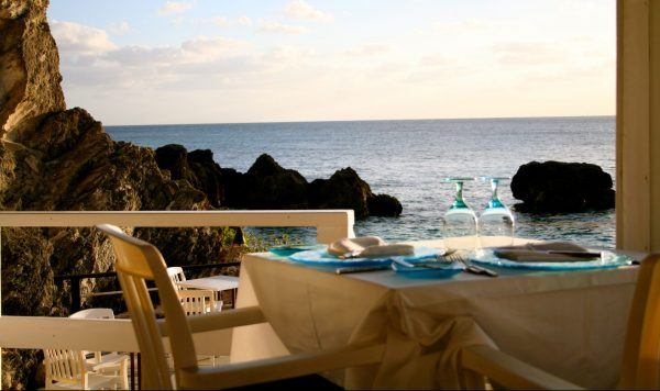 Oceanfront dining at Coconuts