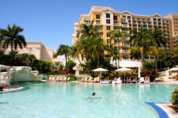 Zero entry family pool at the Ritz Carlton Key Biscayne