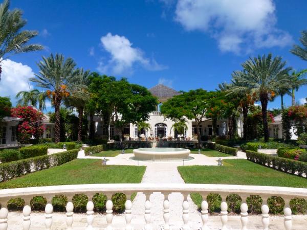 Inner courtyard at Regent Palms