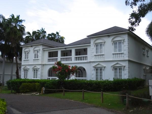 Half Moon villa