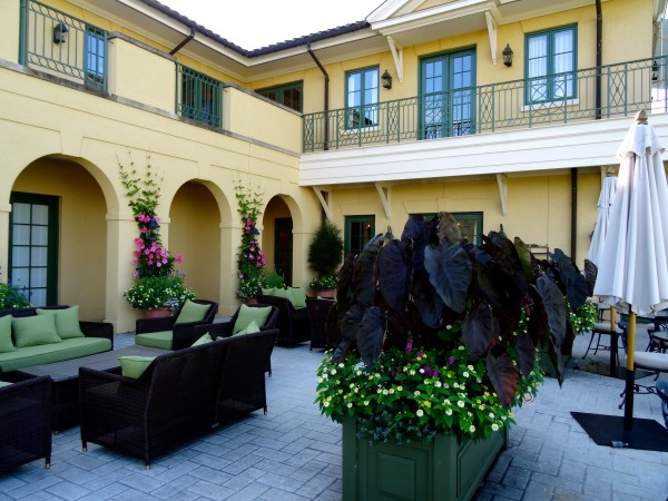 Outdoor living at Keswick Hall