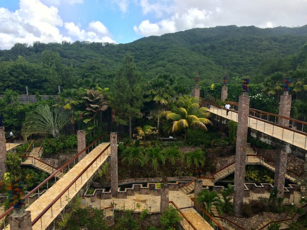 Jade Mountain's walkways